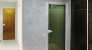Стеклянные глянцевые двери