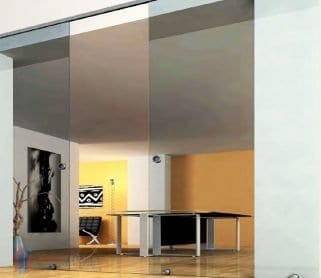 Двустворчатые раздвижные стеклянные двери с нижней направляющей