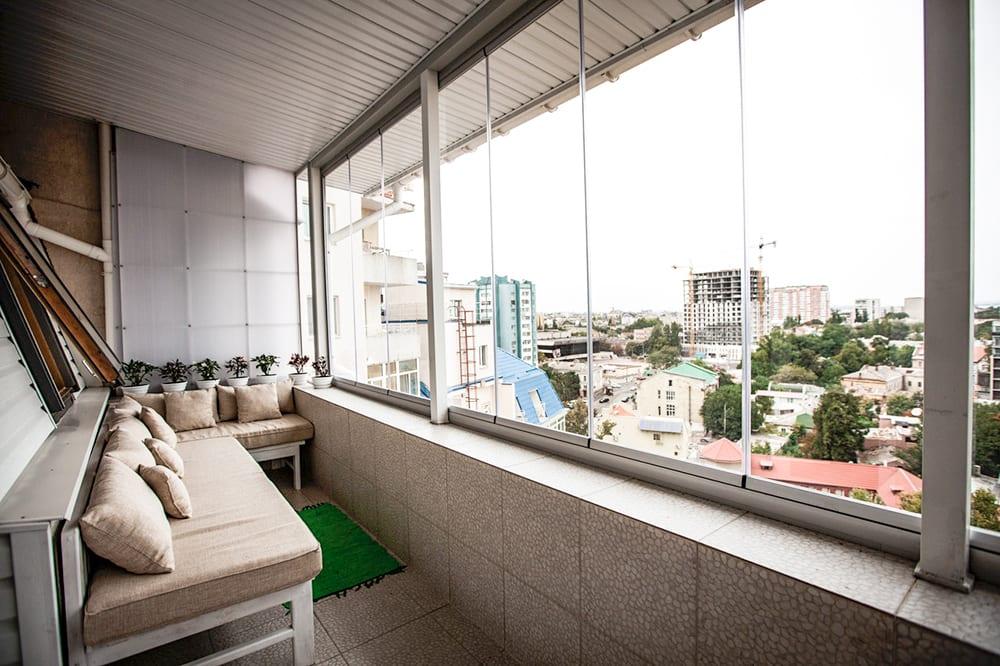 Безрамное остекление балконов, лоджий и террас