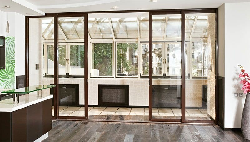 Раздвижные стеклянные двери для балкона и лоджии