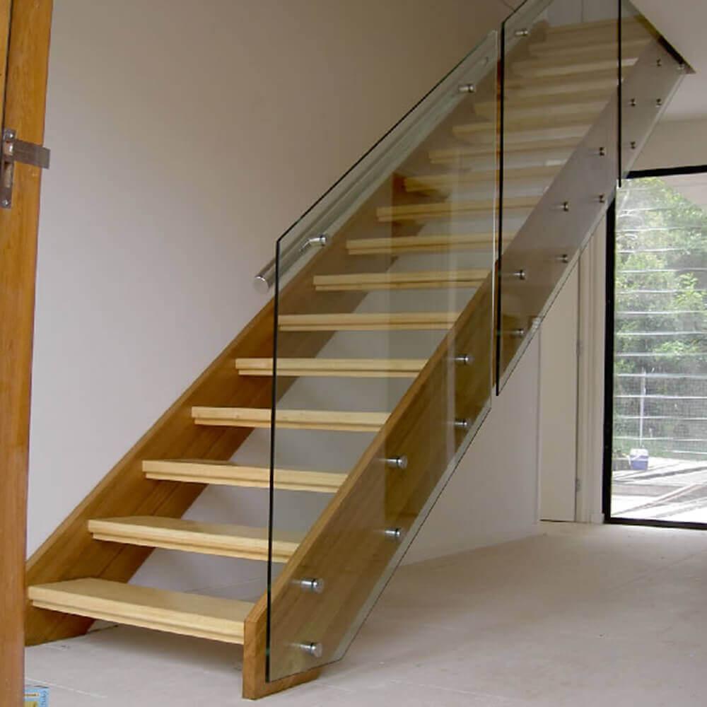 Стеклянные ограждение лестниц