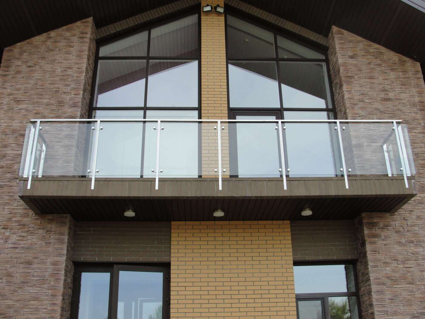 Балконное стеклянное ограждение
