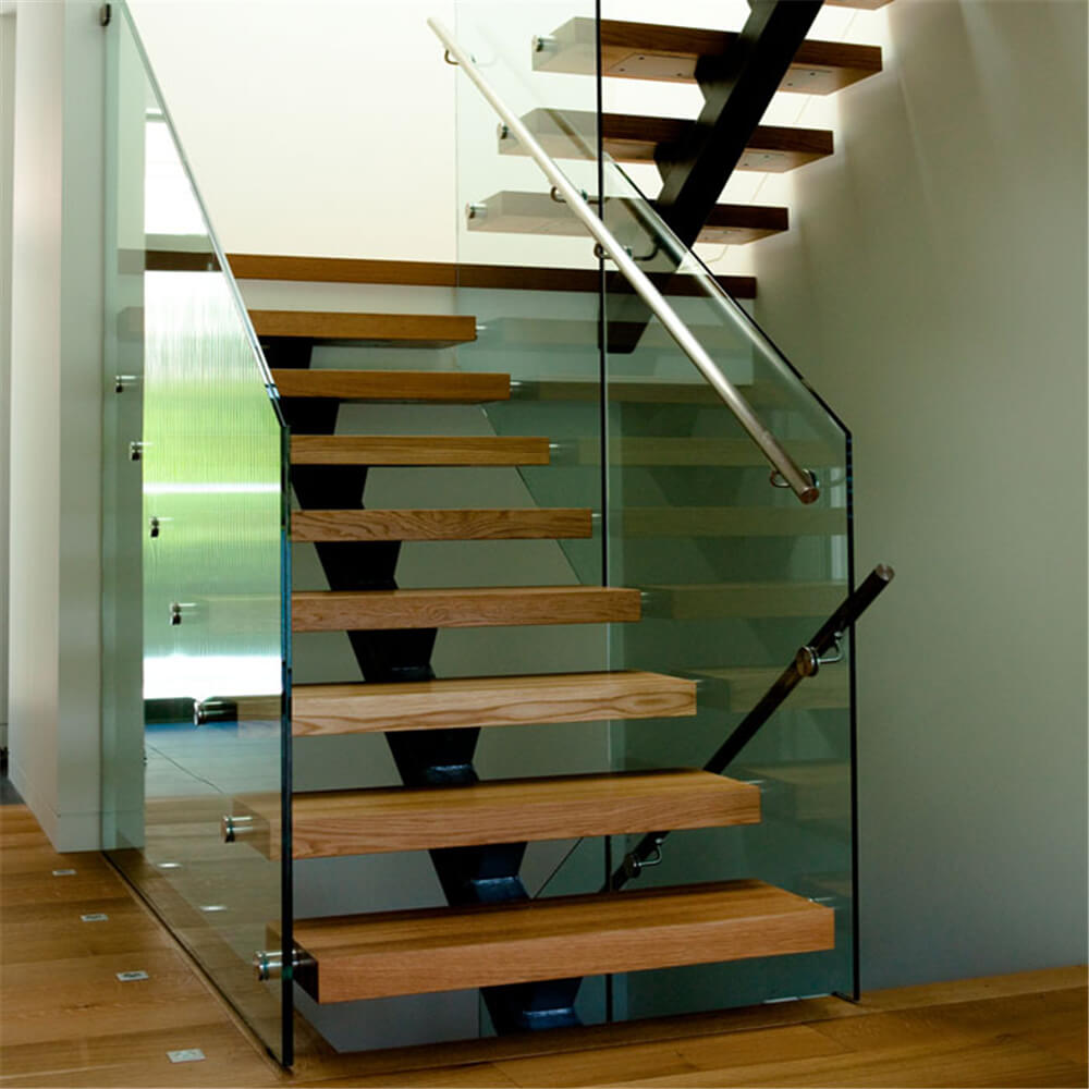 Ограждения для лестниц из стекла