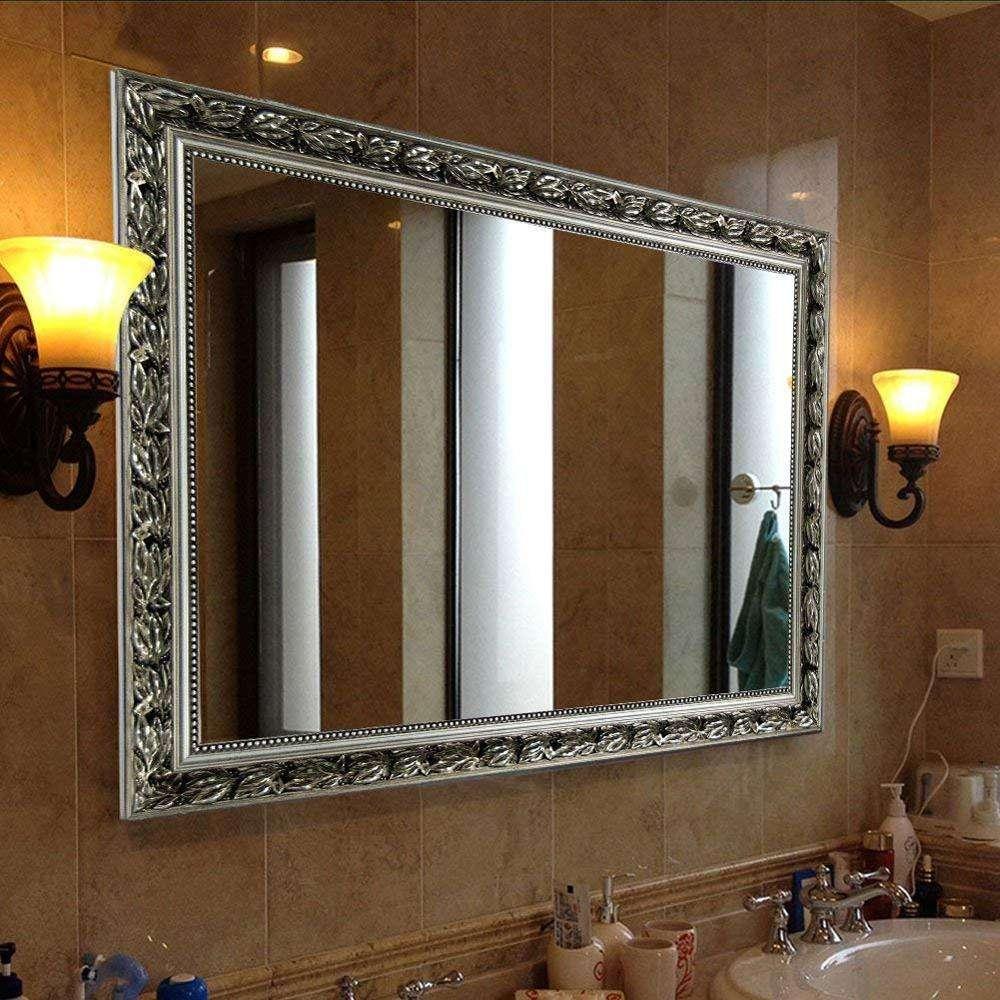 Прямоугольное зеркало в ванной