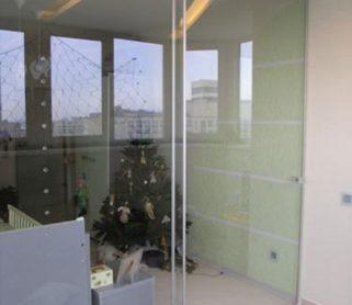 Двери из стекла для балкона